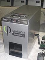 垂直記録HDDに対応する磁気消去装置の画像