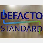 【情シス奮闘記】第4回 ICタグで棚卸し作業改革 自前システムが競争力の源泉 デファクトスタンダード