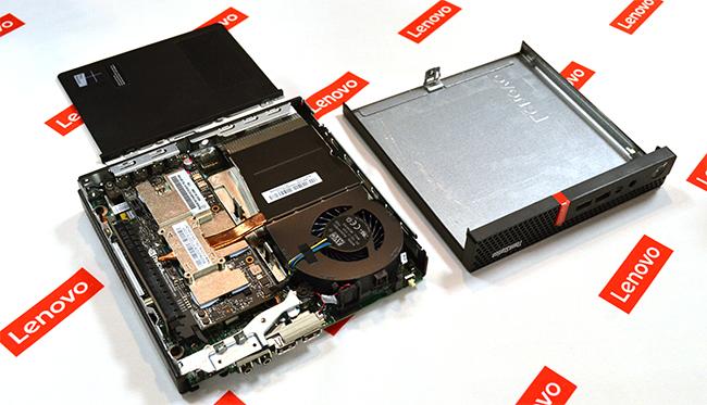 「ThinkStation P320 Tiny」の内部。配置を工夫し小型きょう体にパーツを詰め込んだ。CPUやストレージなどはカスタマイズが可能