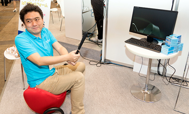 IoTを利用したMTGの姿勢矯正シートのデモ