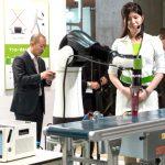 【ロボデックス】人が安心して一緒に働けるロボットを ライフロボ、カンタムエレ、川崎重