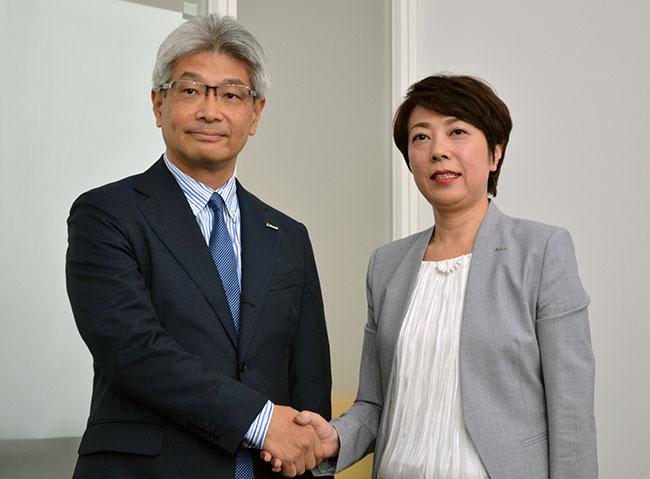 織田浩義・日本マイクロソフト執行役員常務(左)と副島三記子・資生堂執行役員