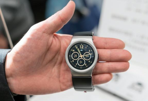 外見は普通のデジタル腕時計と変わらない